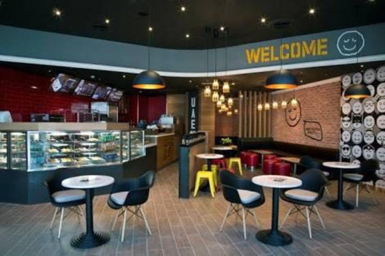 HiDubai-business-pie-face-food-beverage-bakeries-desserts-sweets-dubai-marina-marsa-dubai-dubai-2