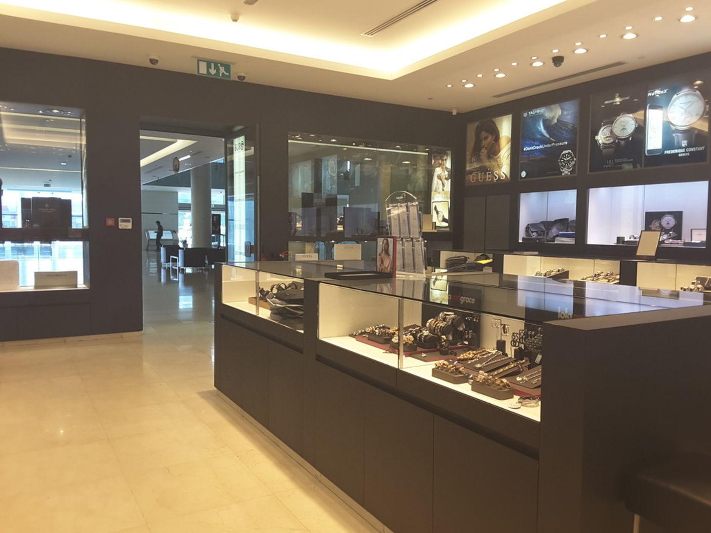 HiDubai-business-seddiqi-sons-shopping-jewellery-precious-stones-jumeirah-2-dubai-2