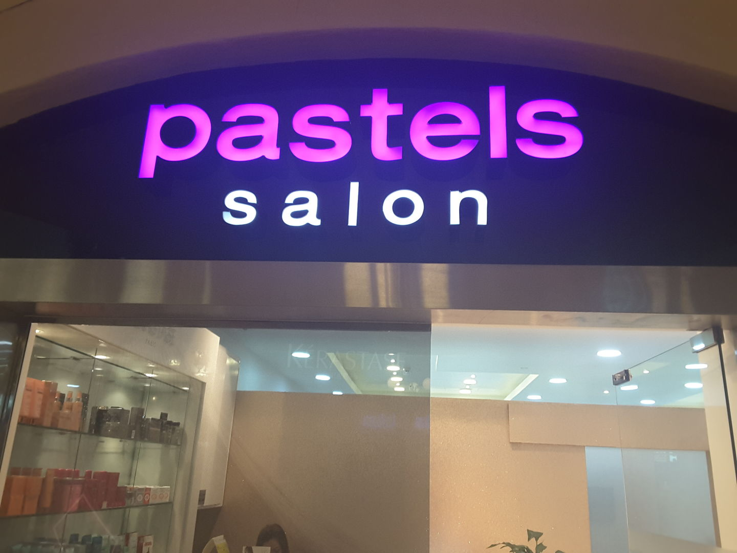 HiDubai-business-pastels-beauty-salon-beauty-wellness-health-beauty-salons-jumeirah-1-dubai-2
