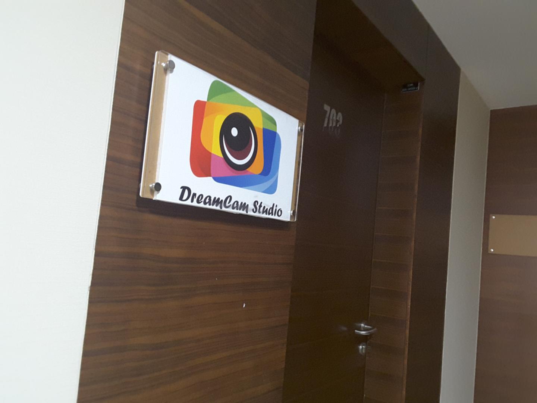 HiDubai-business-dreamcam-studio-film-equipment-rental-vocational-services-art-photography-services-dubai-silicon-oasis-nadd-hessa-dubai