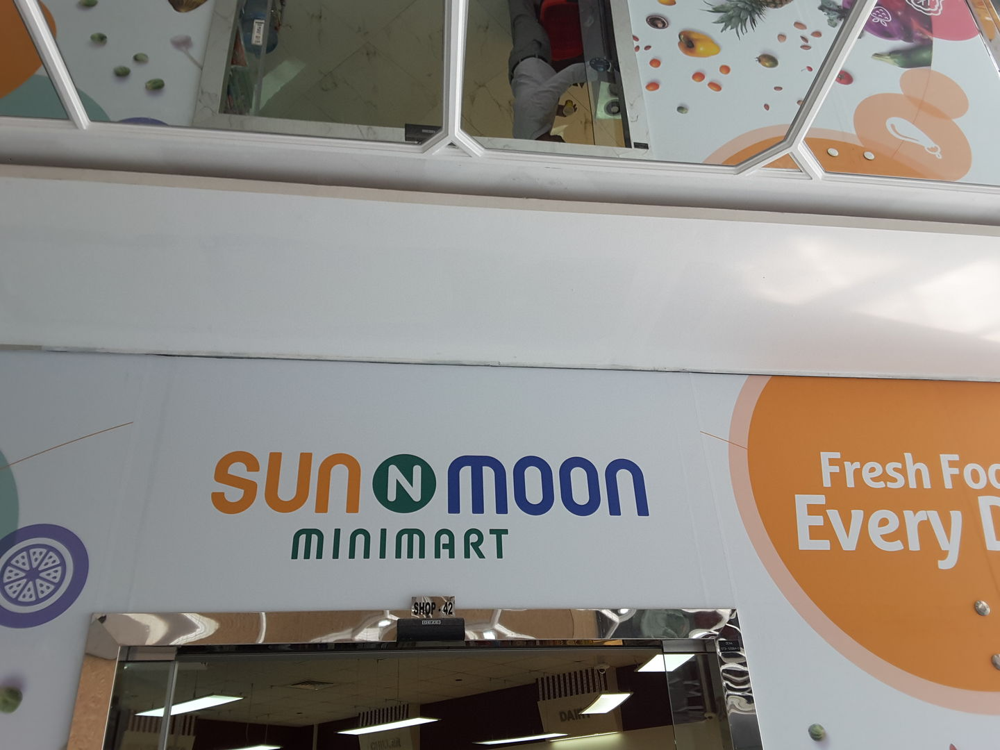 HiDubai-business-sun-n-moon-mini-mart-shopping-supermarkets-hypermarkets-grocery-stores-al-barsha-1-dubai-2