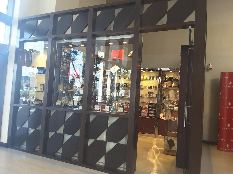HiDubai-business-swiss-palace-perfume-trading-hotels-tourism-souvenirs-gifts-umm-al-sheif-dubai-2
