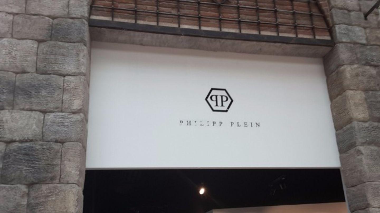 HiDubai-business-philipp-plien-shopping-apparel-jebel-ali-free-zone-mena-jebel-ali-dubai-2