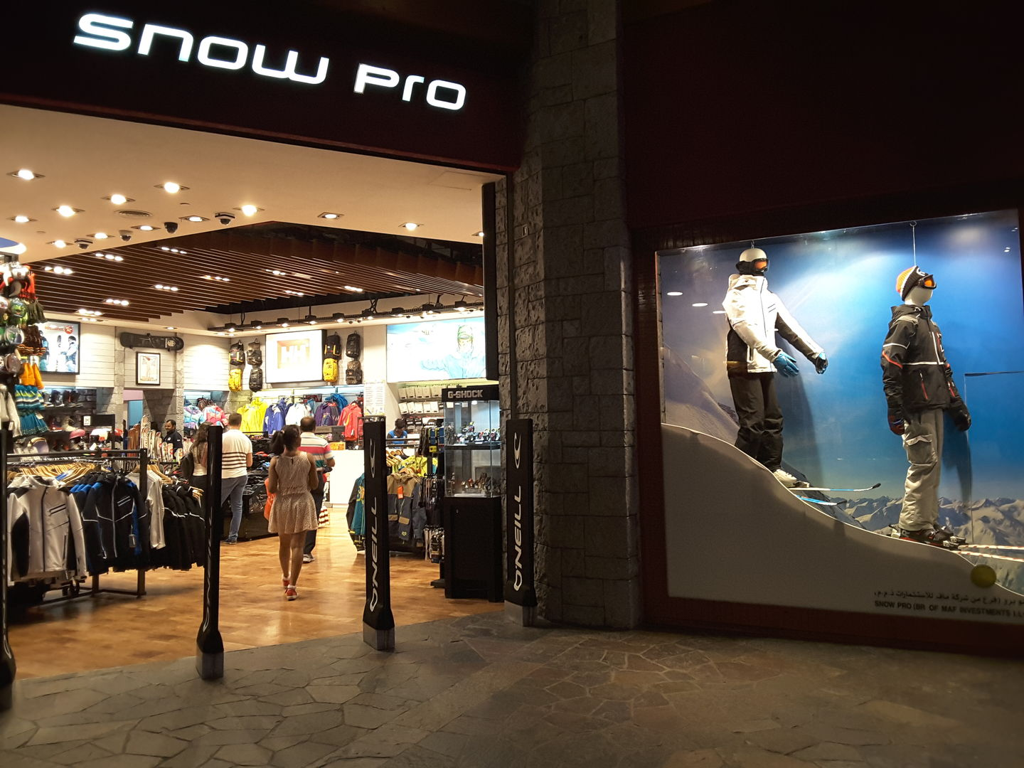 HiDubai-business-snowpro-shopping-apparel-al-barsha-1-dubai-2