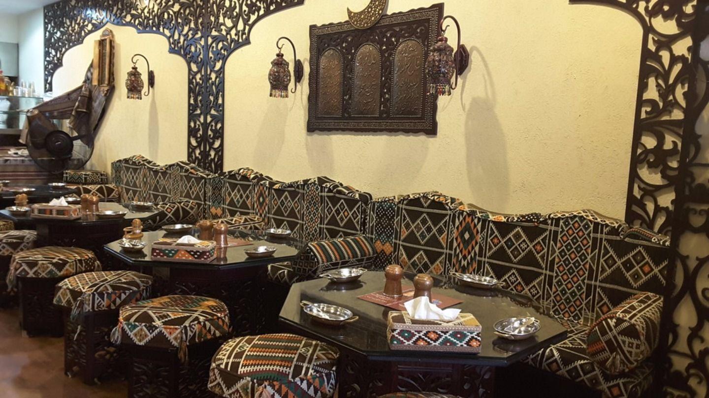 HiDubai-business-fatah-sanobr-restaurant-food-beverage-restaurants-bars-hor-al-anz-east-dubai-2