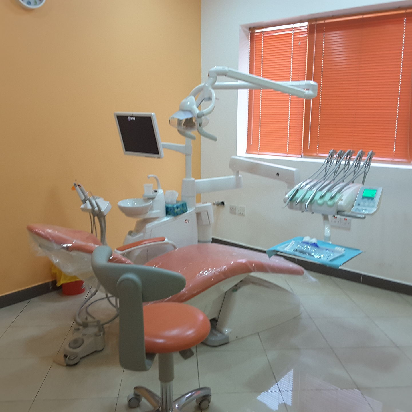 HiDubai-business-32-smile-stones-dental-care-center-beauty-wellness-health-specialty-clinics-al-nahda-2-dubai-2