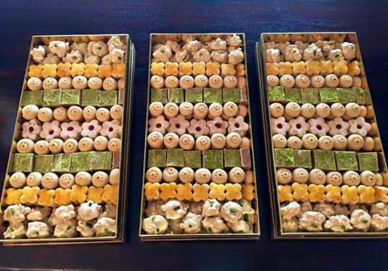 HiDubai-business-sadaf-iranian-sweets-food-beverage-bakeries-desserts-sweets-al-muraqqabat-dubai