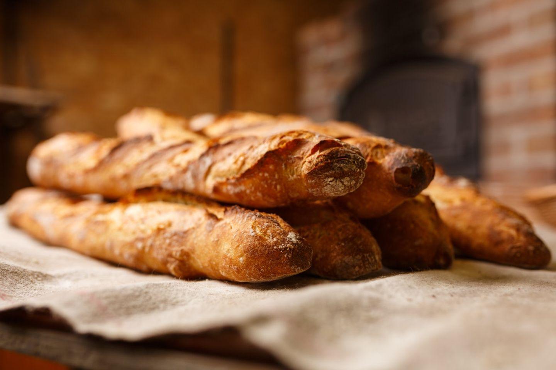 HiDubai-business-new-tehran-bakery-food-beverage-bakeries-desserts-sweets-al-satwa-dubai-2