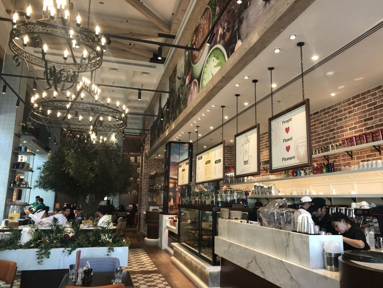 HiDubai-business-urth-caffe-food-beverage-coffee-shops-al-wasl-dubai