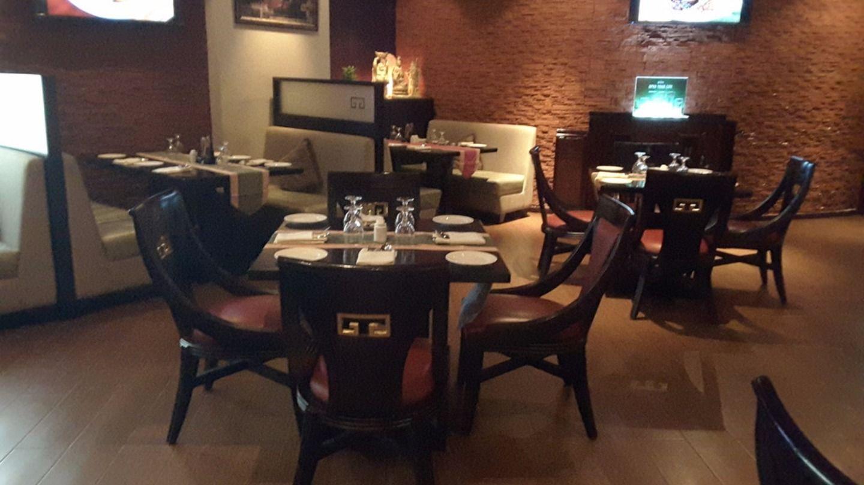 HiDubai-business-gypsy-chinese-restaurant-food-beverage-restaurants-bars-mankhool-dubai-2