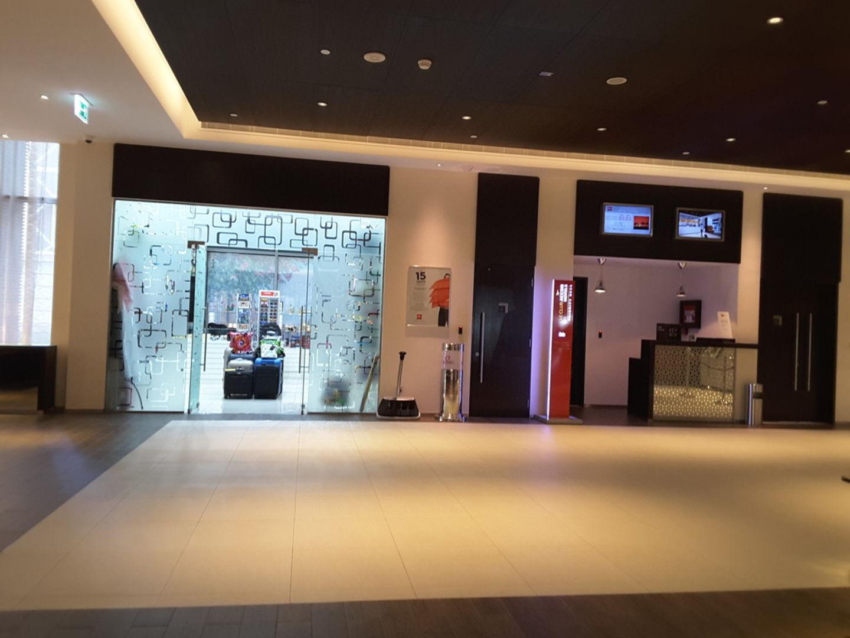 HiDubai-business-ibis-one-central-gift-shop-shopping-souvenirs-gifts-sheikh-zayed-road-1-trade-centre-2-dubai-2