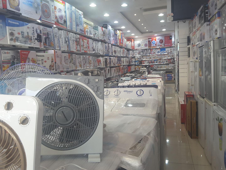 HiDubai-business-hassan-al-sayed-abdulla-saleh-shopping-consumer-electronics-al-satwa-dubai-2
