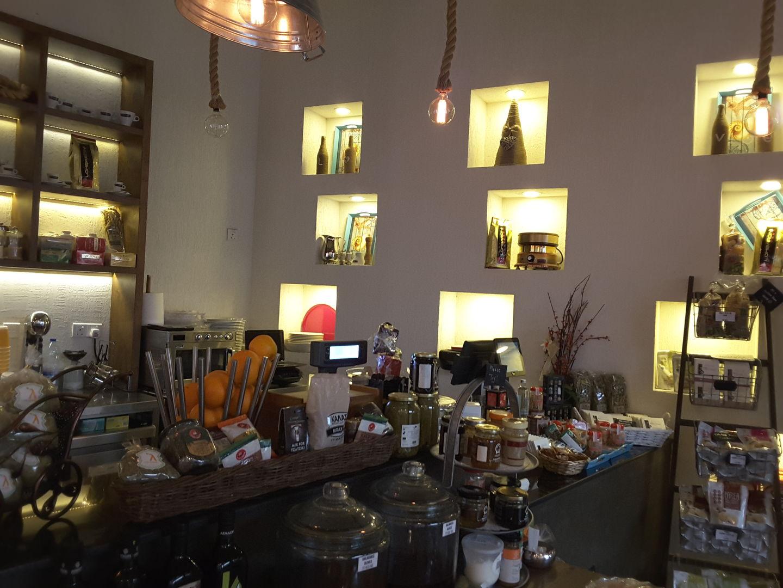 HiDubai-business-little-greece-mini-mart-food-beverage-coffee-shops-al-barsha-2-dubai-2