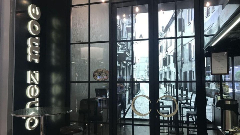 HiDubai-business-chez-moe-food-beverage-coffee-shops-downtown-dubai-dubai