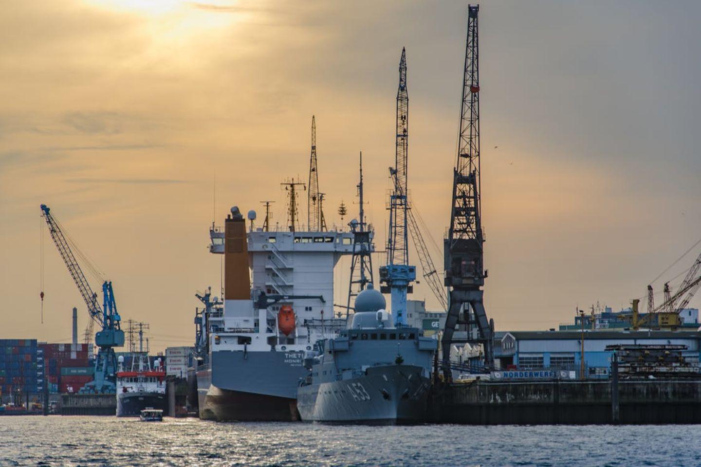HiDubai-business-al-sinyar-trading-shipping-logistics-distribution-services-naif-dubai-2