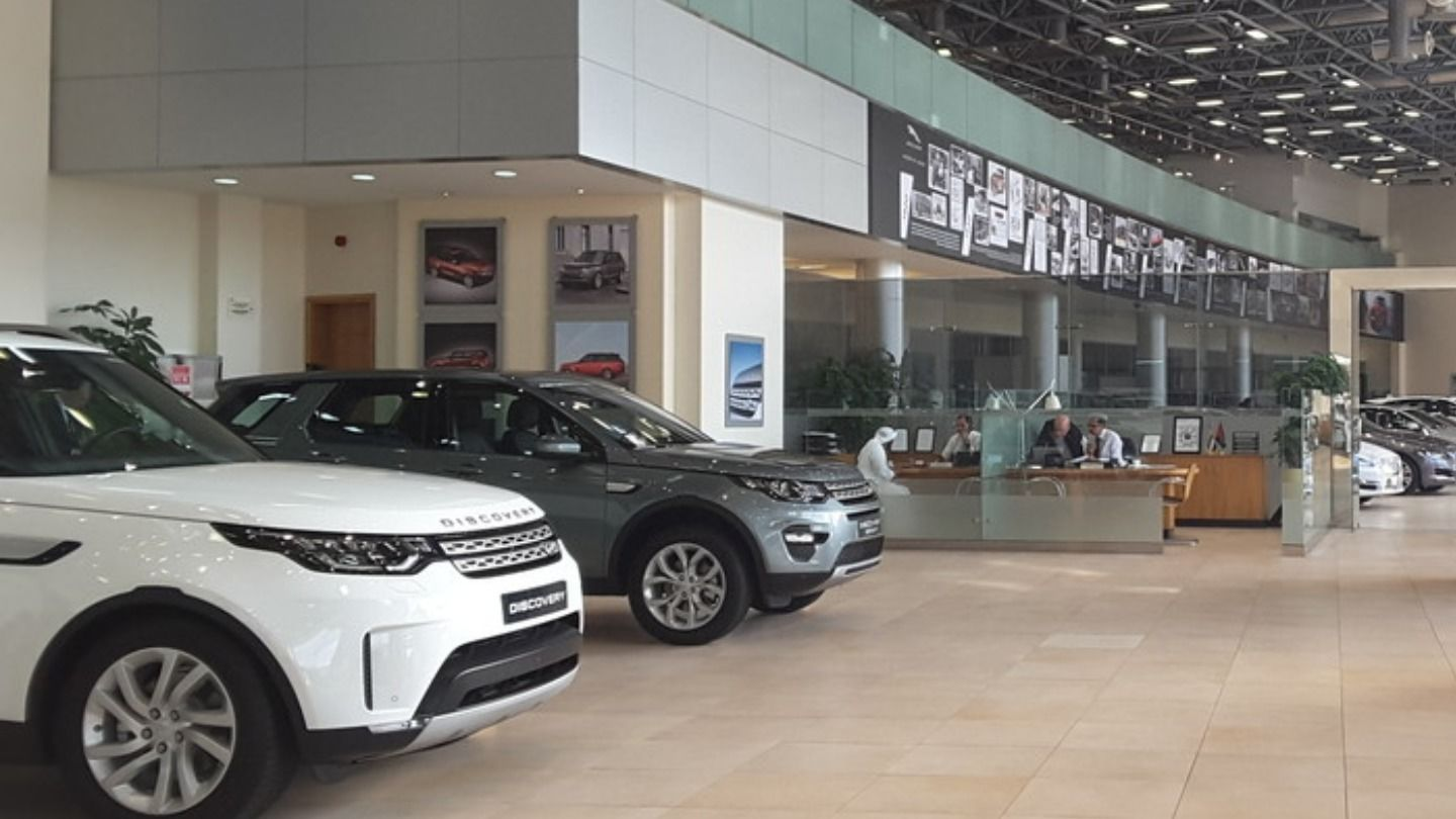 HiDubai-business-al-tayer-motors-land-rover-service-center-transport-vehicle-services-car-showrooms-service-centres-al-quoz-industrial-1-dubai-2