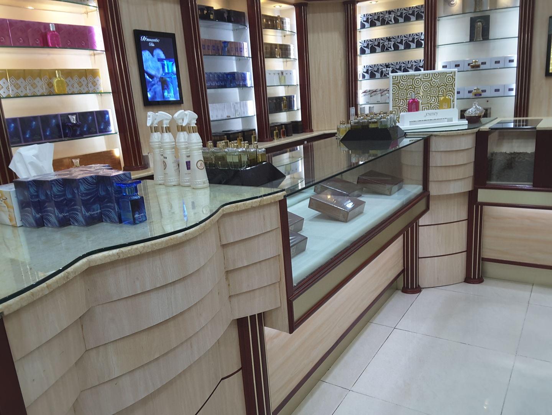 HiDubai-business-ahmed-al-maghribi-perfumes-shopping-beauty-cosmetics-stores-al-wasl-dubai-2