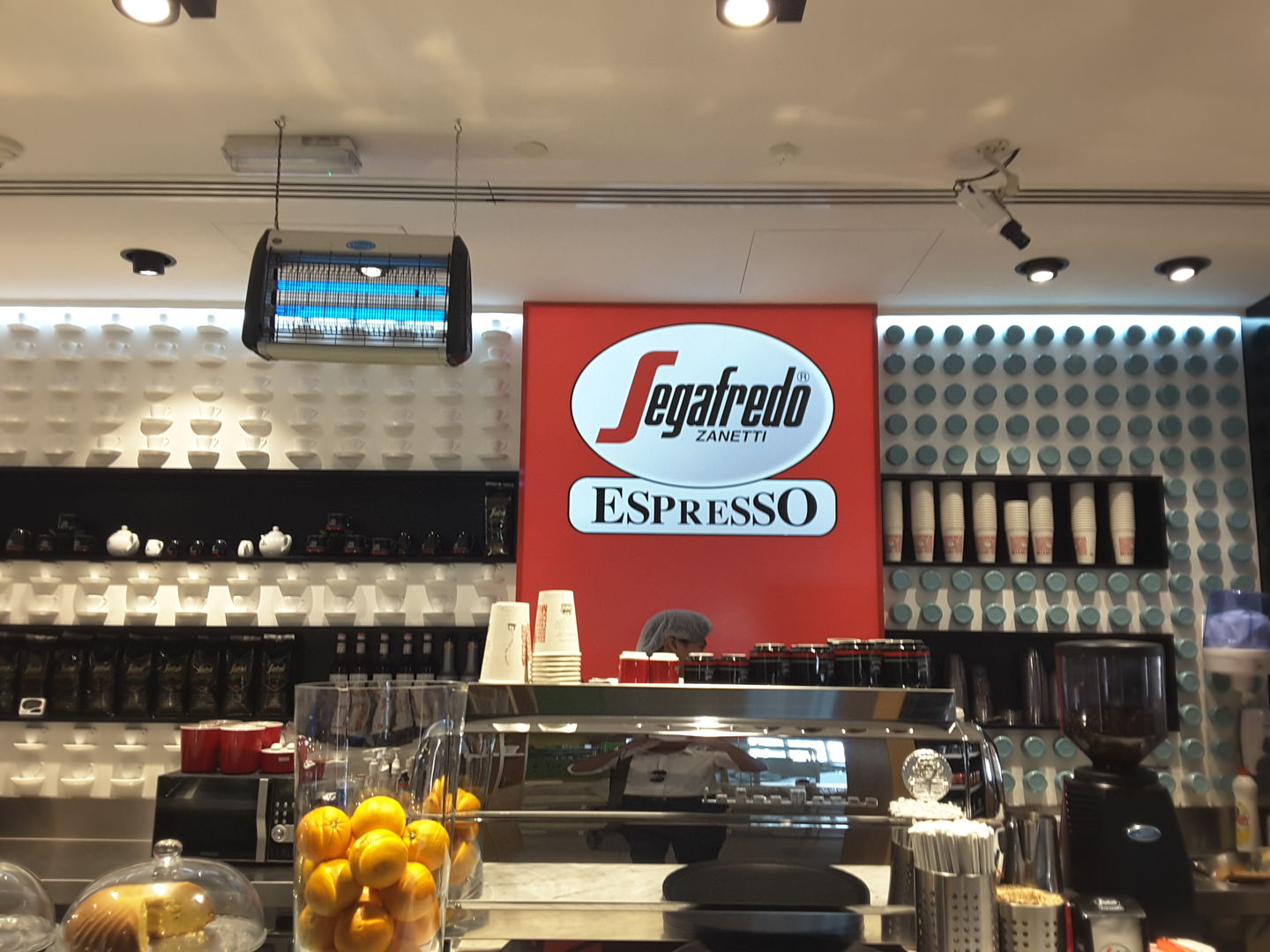 HiDubai-business-segafredo-zanetti-food-beverage-coffee-shops-jumeirah-1-dubai-2