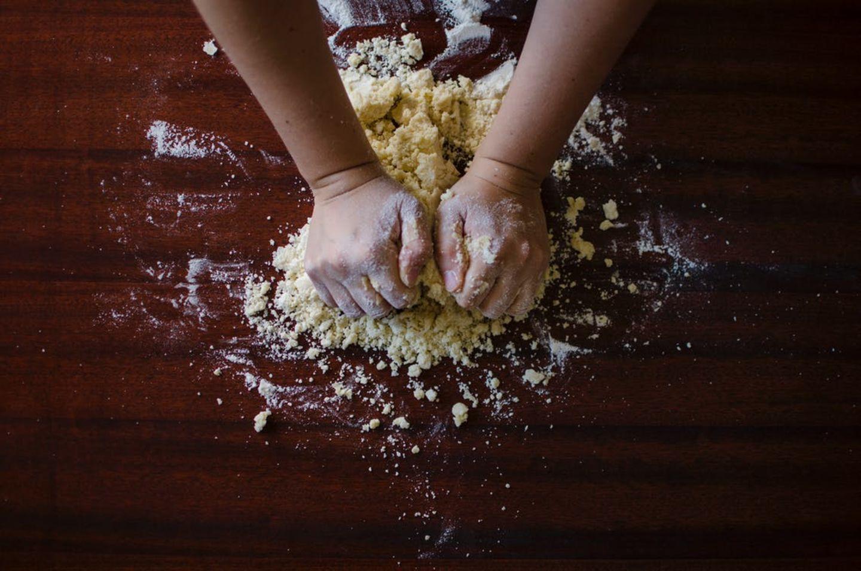 HiDubai-business-al-ward-bakery-food-beverage-bakeries-desserts-sweets-al-wuheida-dubai-2