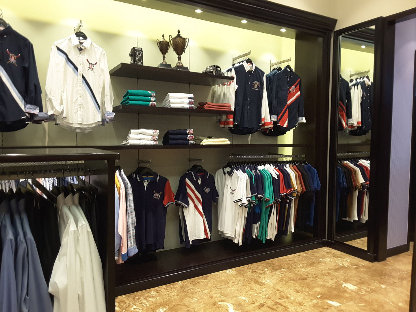 Austin Reed London Apparel In Al Muraqqabat Dubai