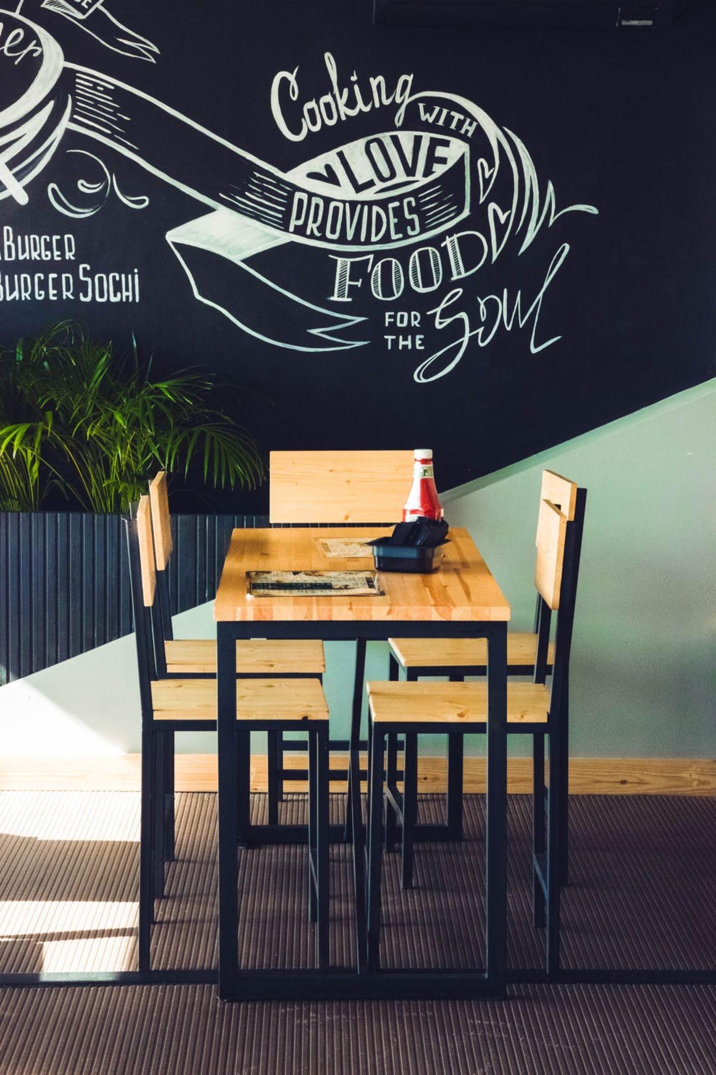 HiDubai-business-tasty-snack-cafeteria-food-beverage-cafeterias-al-satwa-dubai