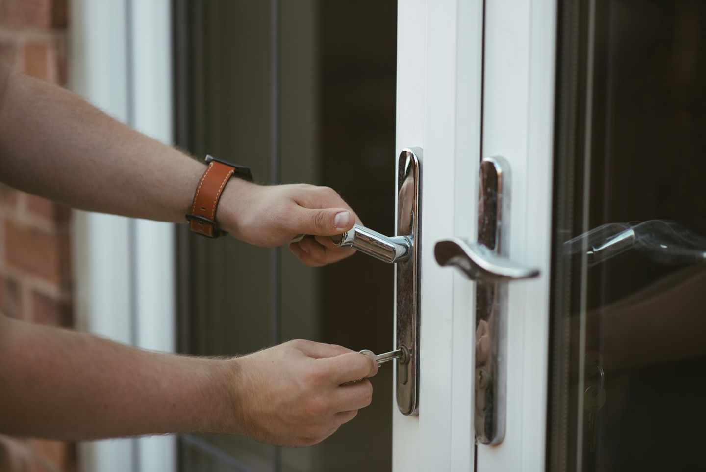 HiDubai-business-seconds-locks-repairing-home-handyman-maintenance-services-mankhool-dubai-2