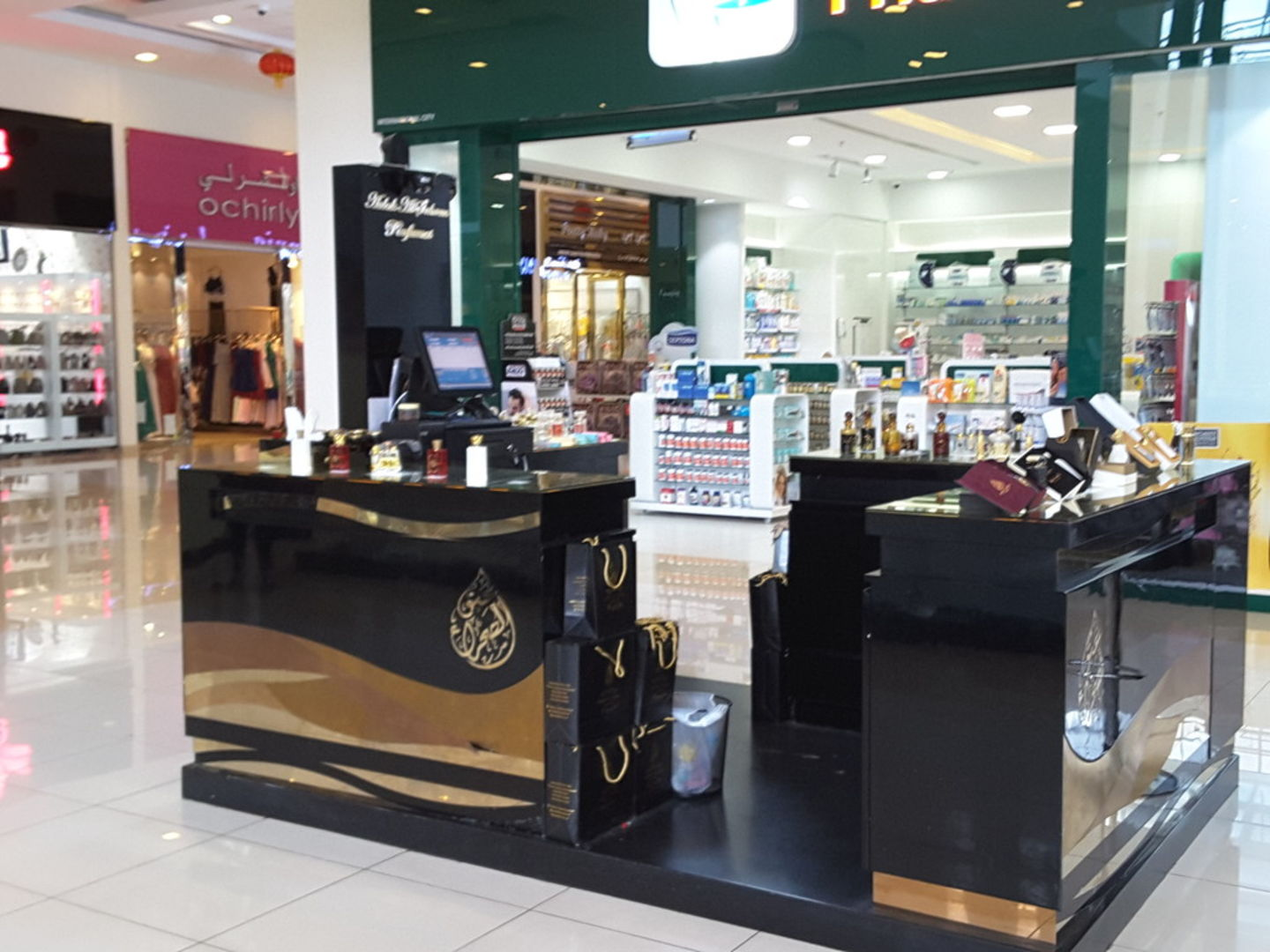 HiDubai-business-aabak-al-sehraa-perfumes-shopping-beauty-cosmetics-stores-international-city-warsan-1-dubai-2