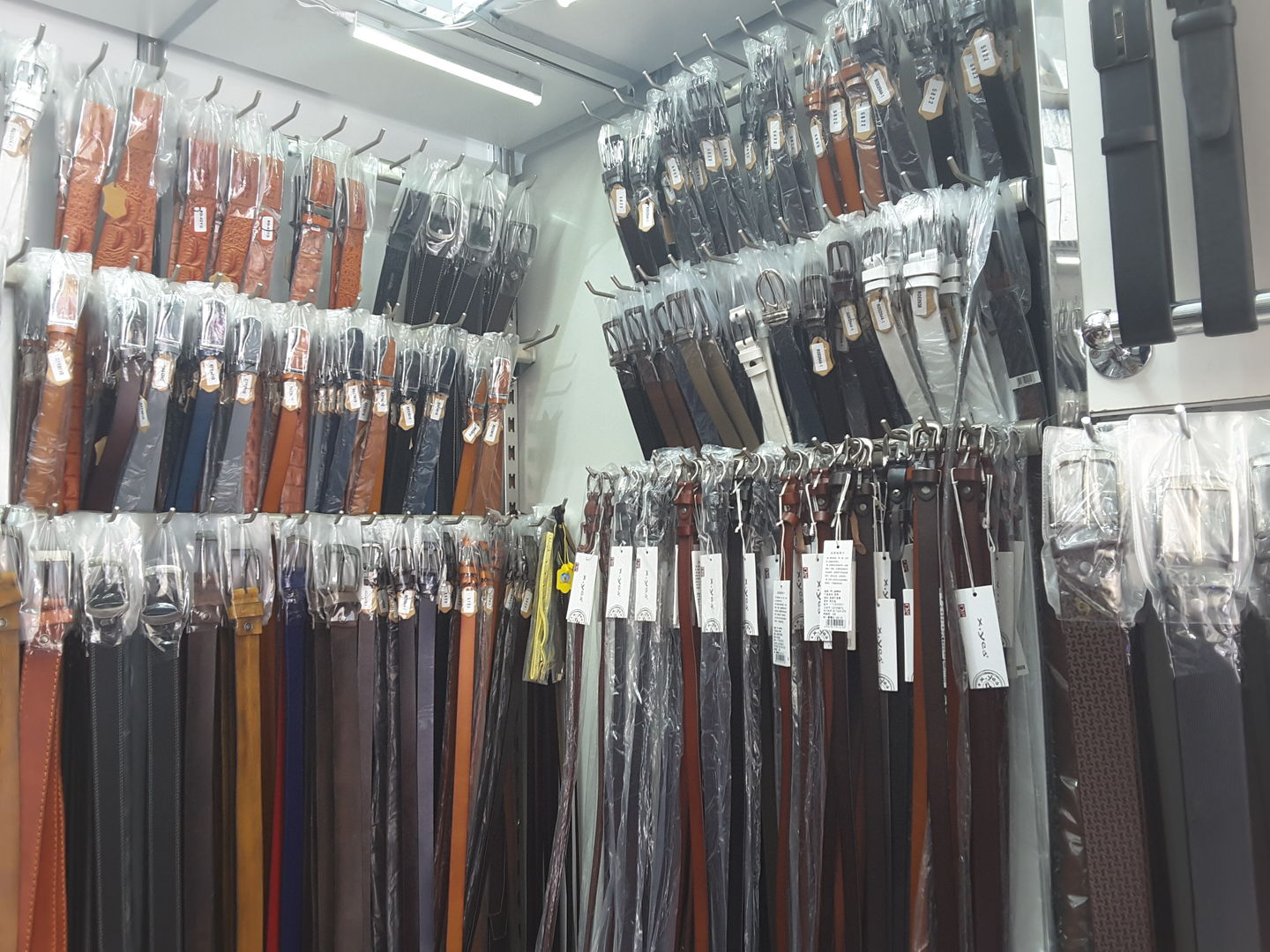 HiDubai-business-oriyana-genuine-leather-b2b-services-distributors-wholesalers-al-ras-dubai-2