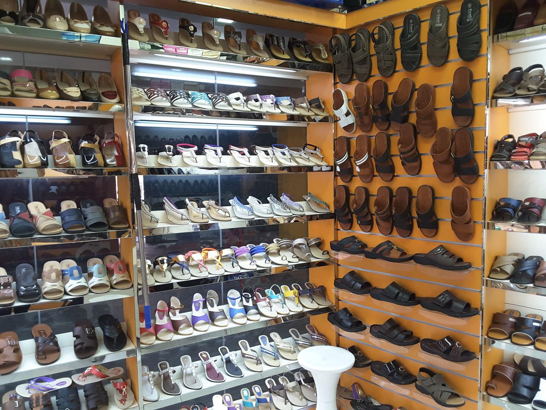 017414107f08 HiDubai-business-giant-fashion-b2b-services-distributors-wholesalers-