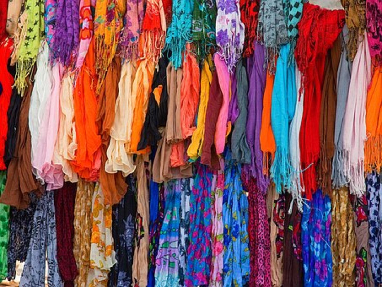 HiDubai-business-classic-rose-trading-b2b-services-distributors-wholesalers-al-fahidi-al-souq-al-kabeer-dubai-2