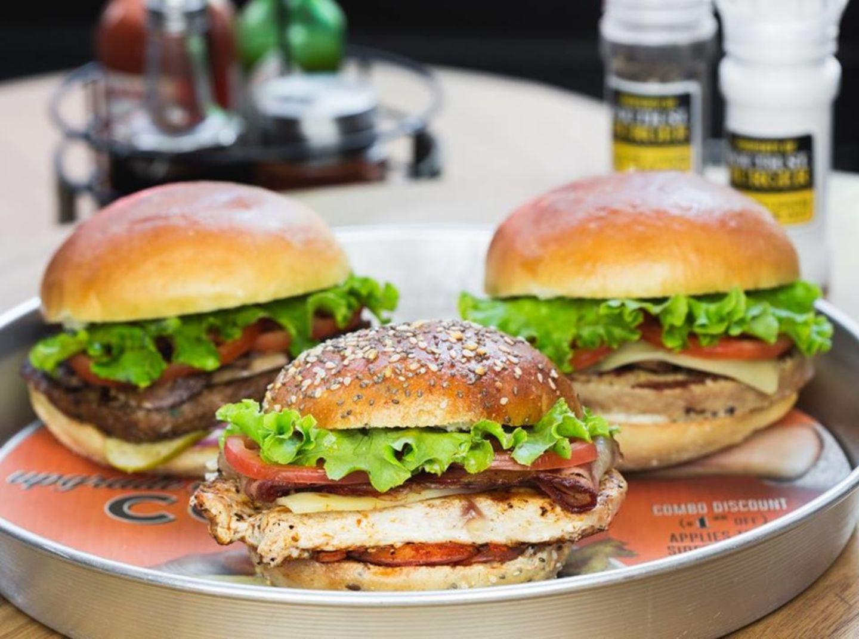 HiDubai-business-south-st-burger-food-beverage-restaurants-bars-dubai-silicon-oasis-nadd-hessa-dubai