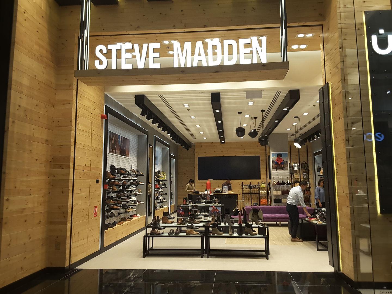 HiDubai-business-steve-madden-shopping-footwear-al-barsha-1-dubai-2