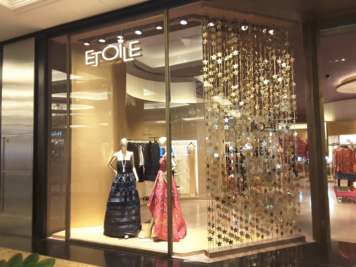 HiDubai-business-etoile-la-boutique-shopping-apparel-al-barsha-1-dubai-2