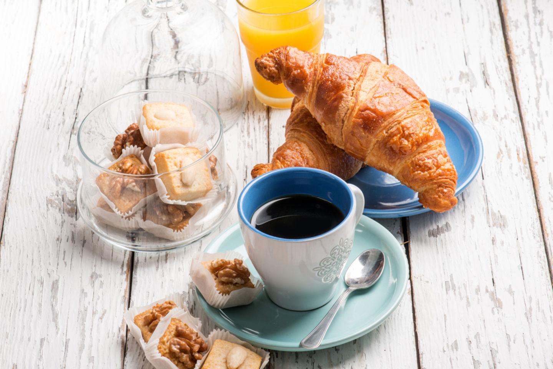 HiDubai-business-gloria-jeans-food-beverage-coffee-shops-al-rashidiya-dubai-2
