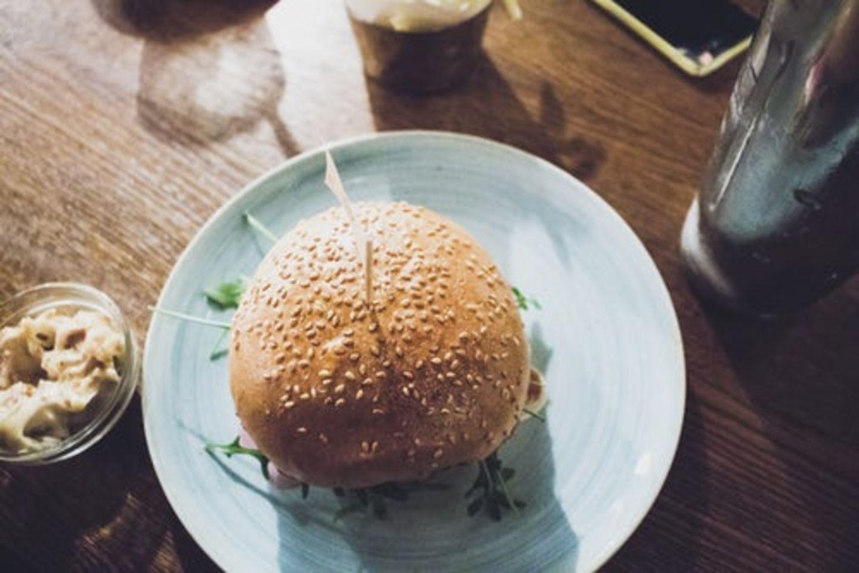 HiDubai-business-alshashah-cafeteria-food-beverage-cafeterias-naif-dubai