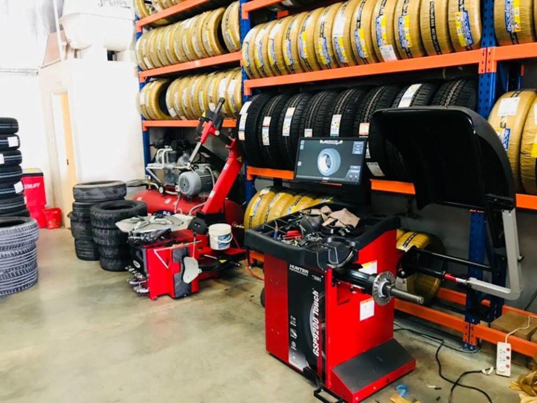 HiDubai-business-ishaq-abdulla-tyres-trading-transport-vehicle-services-auto-spare-parts-accessories-al-qusais-industrial-3-dubai-3