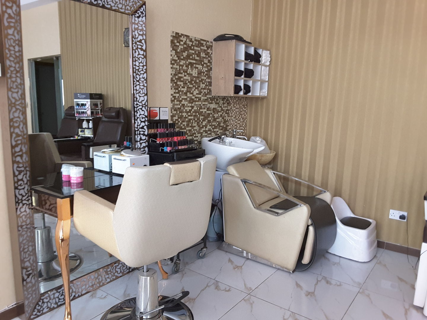 HiDubai-business-zain-al-omor-beauty-saloon-beauty-wellness-health-beauty-salons-hor-al-anz-east-dubai-2