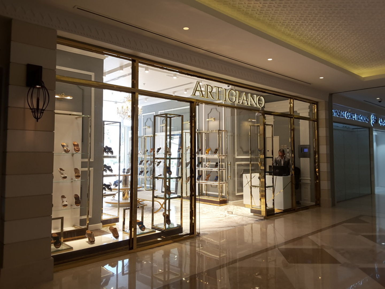 HiDubai-business-artigiano-shopping-footwear-al-wasl-dubai-2