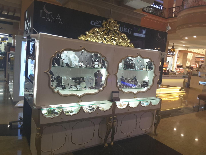 HiDubai-business-luna-gioielli-italy-shopping-jewellery-precious-stones-muhaisnah-1-dubai-2