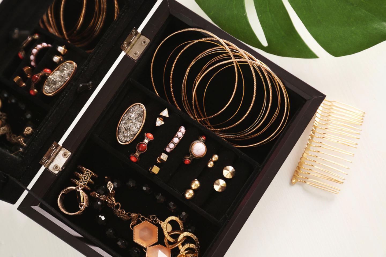 HiDubai-business-flower-boutique-shopping-souvenirs-gifts-dubai-international-financial-centre-zaabeel-2-dubai-2