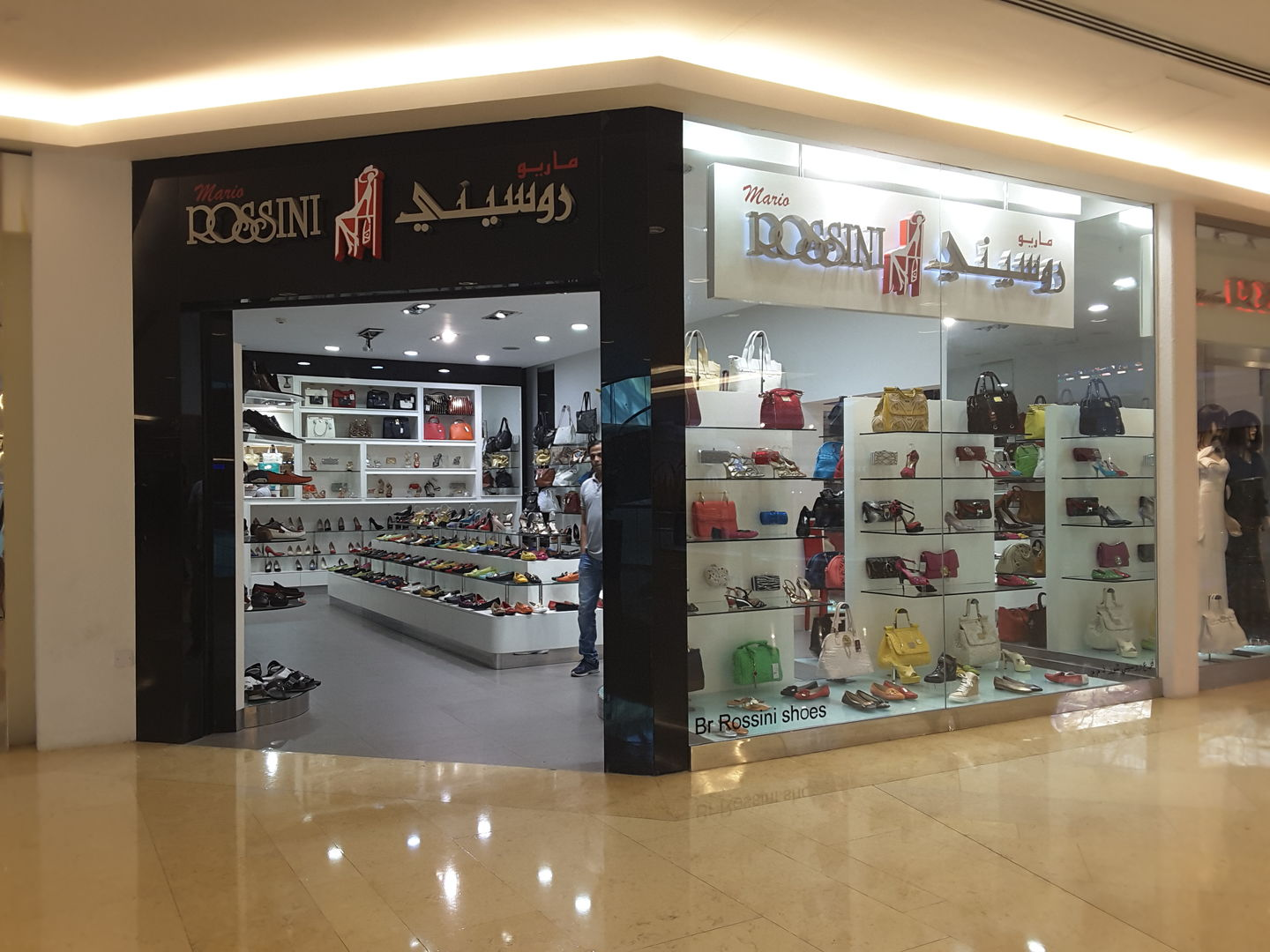 HiDubai-business-mario-rossini-shopping-fashion-accessories-wafi-umm-hurair-2-dubai-2
