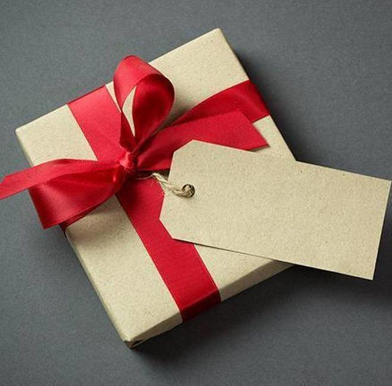HiDubai-business-al-khoos-gift-and-novelties-shopping-souvenirs-gifts-naif-dubai