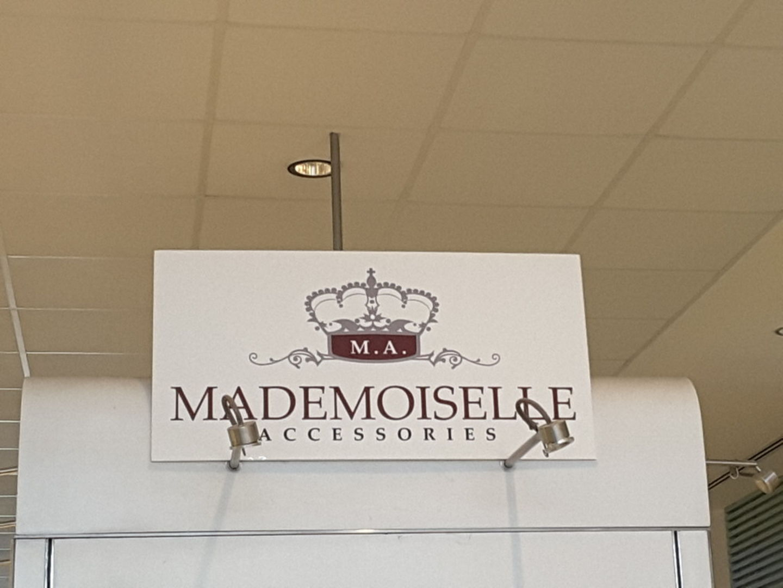 HiDubai-business-mademoiselle-accessories-shopping-fashion-accessories-springs-al-thanyah-4-dubai-2