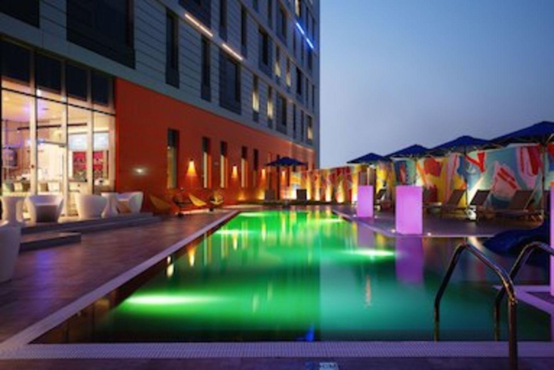 HiDubai-business-aloft-dubai-south-pool-bar-food-beverage-restaurants-bars-dubai-world-central-madinat-al-mataar-dubai