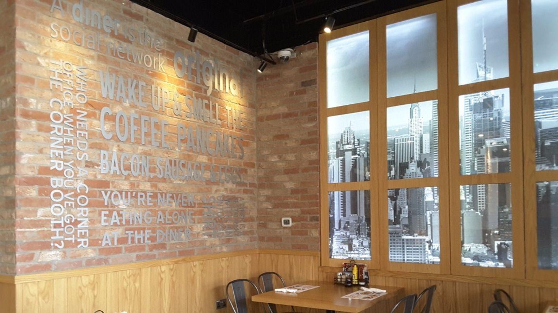 HiDubai-business-dennys-restaurant-food-beverage-restaurants-bars-al-rigga-dubai-2