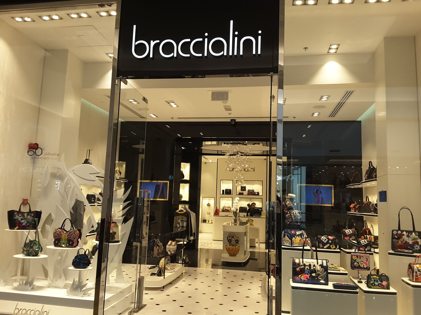 HiDubai-business-braccialini-shopping-footwear-al-barsha-1-dubai-2