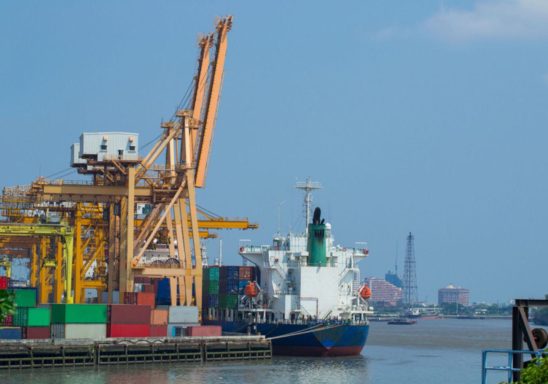 HiDubai-business-greenport-shipping-agency-shipping-logistics-distribution-services-mankhool-dubai-2