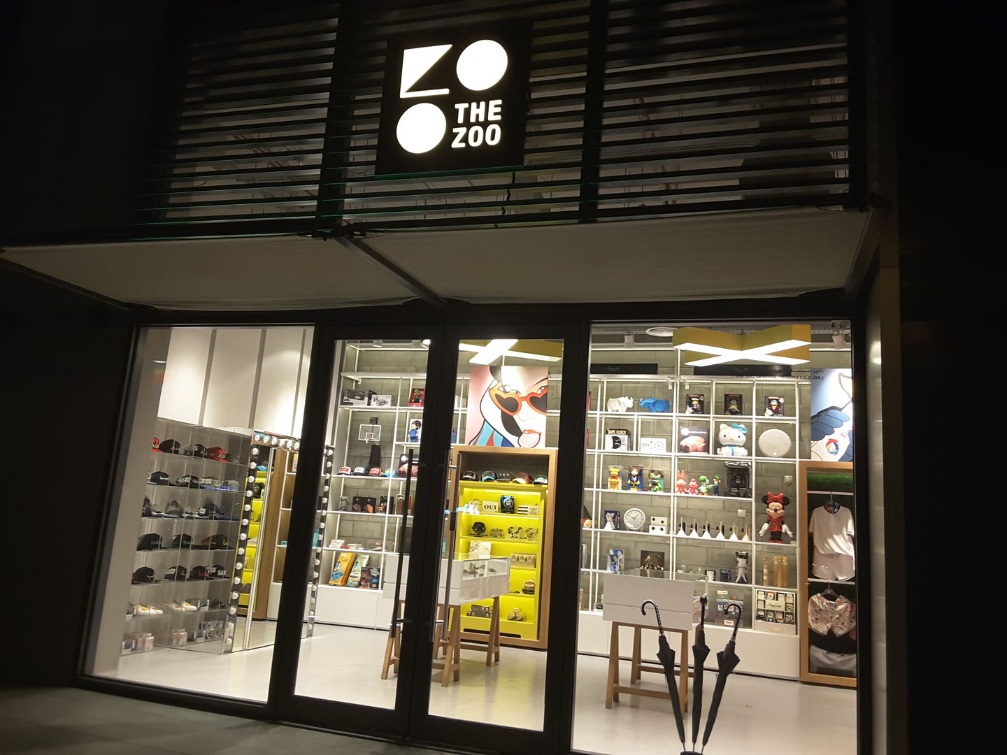 HiDubai-business-the-zoo-concept-shopping-fashion-accessories-al-wasl-dubai-2