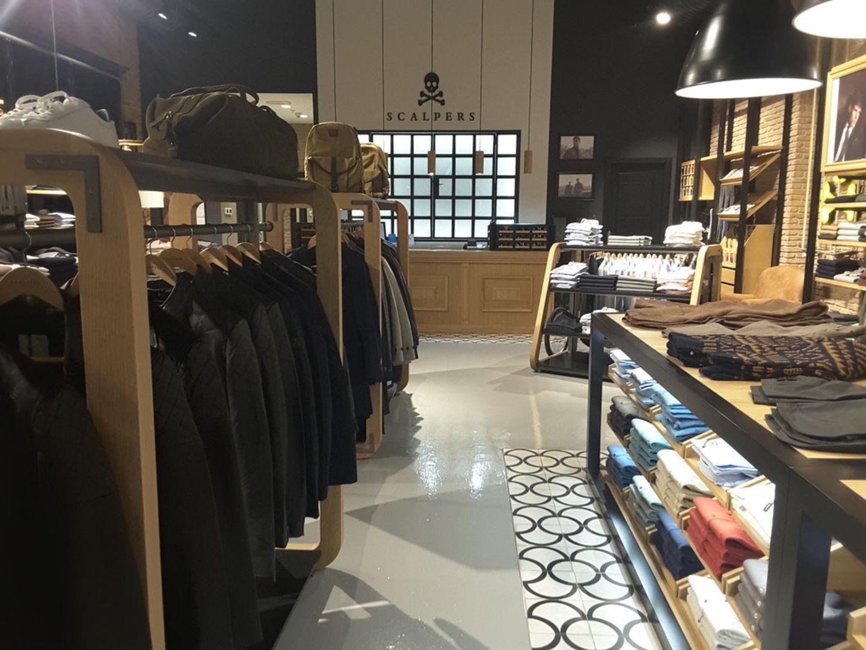 HiDubai-business-scalpers-shopping-apparel-burj-khalifa-dubai