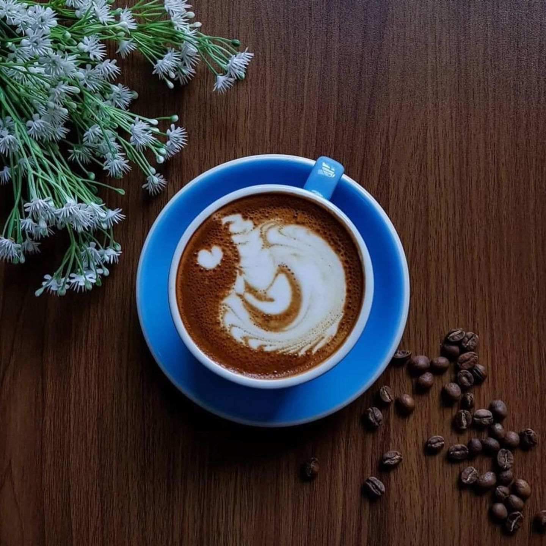HiDubai-business-waffee-street-cafe-food-beverage-bakeries-desserts-sweets-al-jafiliya-dubai